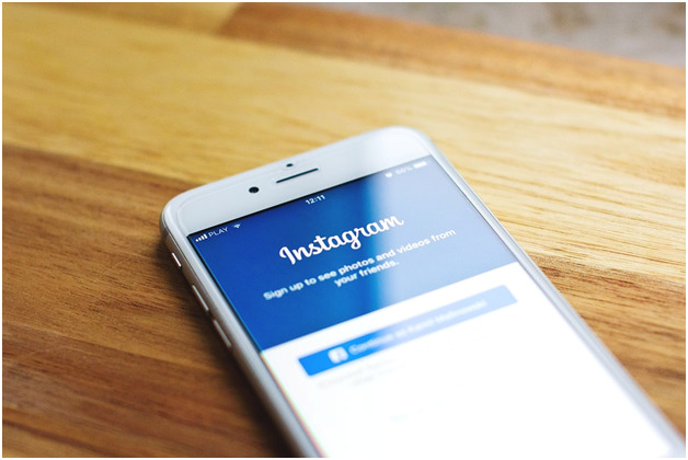 how to switch accounts on Instagram